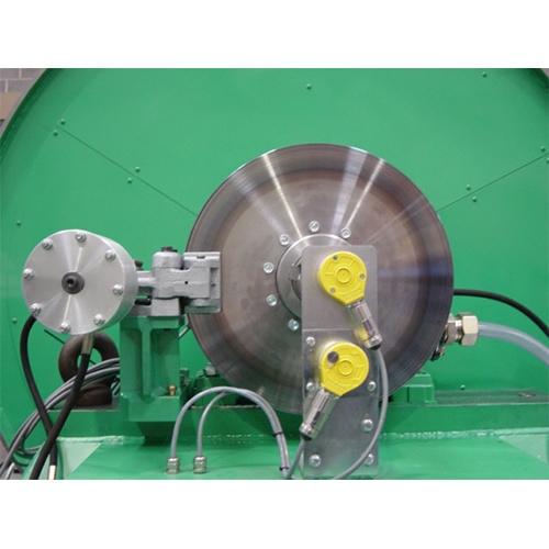 Dinamómetro y maquinaria de ensayo